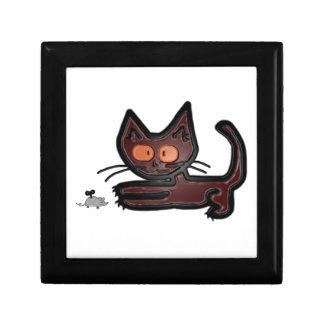 Juegos lindos del gato del gatito de Brown con el  Cajas De Joyas