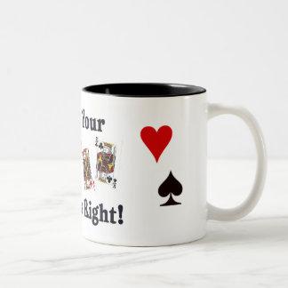 juegue sus tarjetas a la derecha, taza dos tonos