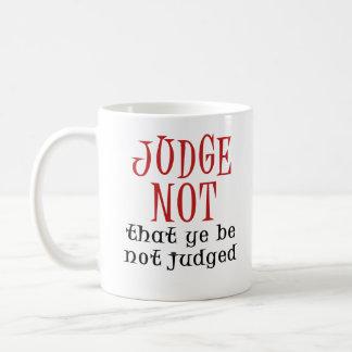 Juez no taza clásica