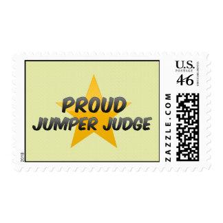 Juez orgulloso del puente sellos
