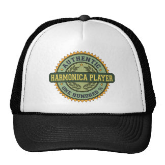 Jugador auténtico de la armónica gorra