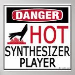 Jugador caliente del sintetizador poster