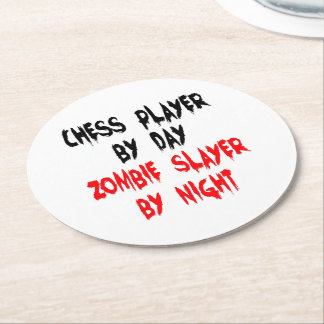 Jugador de ajedrez del asesino del zombi posavasos desechable redondo