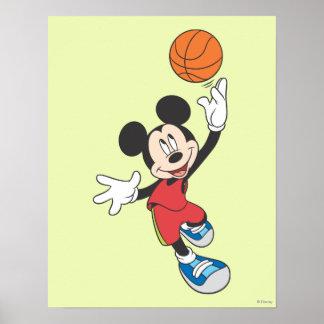 Jugador de básquet 5 de Mickey Mouse Póster