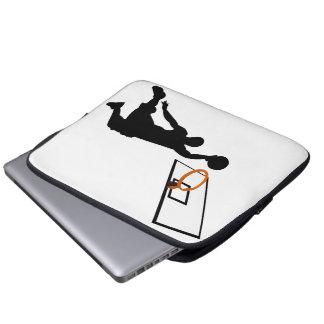 Jugador de básquet de la clavada de la silueta mangas computadora