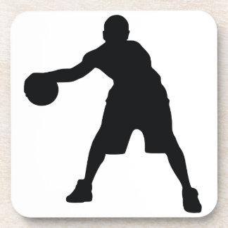 Jugador de básquet posavasos de bebida