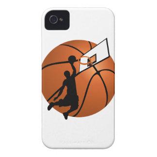 Jugador de básquet w/Hoop de la clavada en bola Case-Mate iPhone 4 Protectores