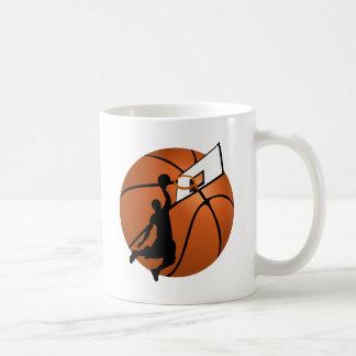 Jugador de básquet w/Hoop de la clavada en bola Taza De Café