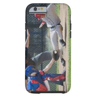 Jugador de béisbol que resbala dentro de la meta funda de iPhone 6 tough