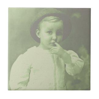 Jugador de bolos joven azulejo cuadrado pequeño