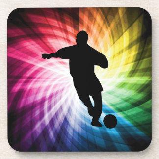 Jugador de fútbol; colorido posavasos de bebida