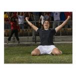 Jugador de fútbol de sexo femenino alemán que tarjeta postal