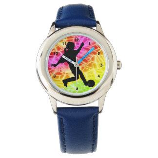 Jugador de fútbol en mosaico fluorescente relojes