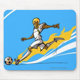 Jugador de fútbol que golpea un balón de fútbol mousepad