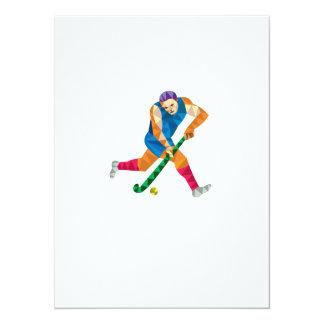 Jugador de hockey hierba que corre con el polígono invitación 13,9 x 19,0 cm