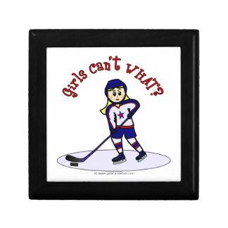 Jugador de hockey rubio de los chicas cajas de recuerdo