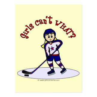 Jugador de hockey rubio de los chicas tarjetas postales