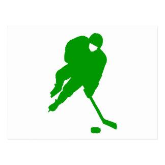 Jugador de hockey verde postales