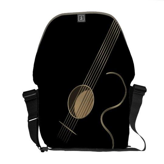 Jugador de la guitarra acústica bolsa messenger