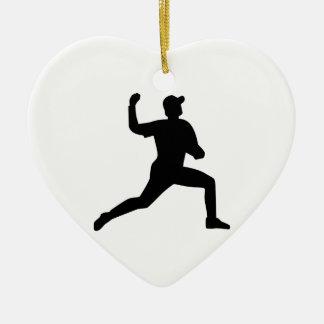 Jugador de la jarra del béisbol adorno de cerámica en forma de corazón