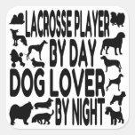 Jugador de LaCrosse del amante del perro Calcomanías Cuadradas