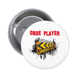 Jugador de Oboe bajo construcción Pin Redondo De 2 Pulgadas