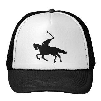 Jugador de polo a caballo. gorros
