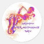 Jugador de saxofón para el día del saxofón pegatina redonda
