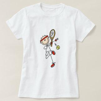 Jugador de tenis con las camisetas y los regalos