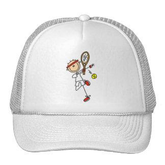 Jugador de tenis con las camisetas y los regalos d gorras