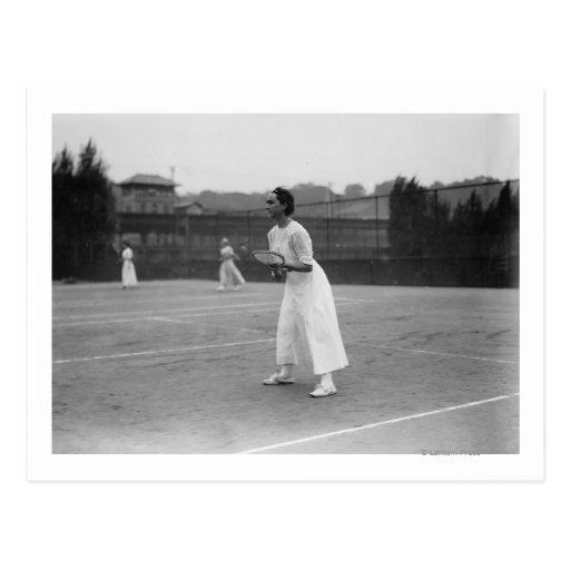 Jugador de tenis de la mujer que consigue la postales