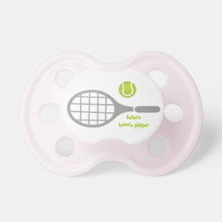 Jugador de tenis, estafa de tenis y bola futuros chupetes de bebé
