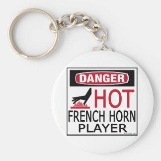 Jugador de trompa caliente llavero redondo tipo pin