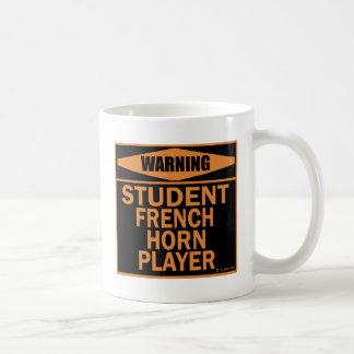 Jugador de trompa del estudiante taza clásica