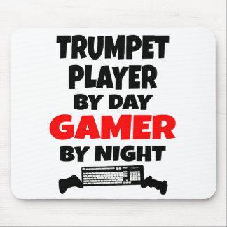 Jugador de trompeta del videojugador alfombrillas de ratones