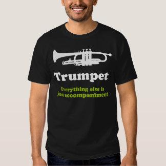Jugador de trompeta divertido polera