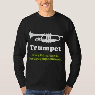 Jugador de trompeta divertido remeras