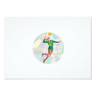 Jugador de voleibol que clava la bola que salta el invitación 12,7 x 17,8 cm