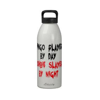 Jugador del bingo del asesino del zombi botella de agua