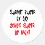 Jugador del Clarinet del asesino del zombi Pegatina Redonda