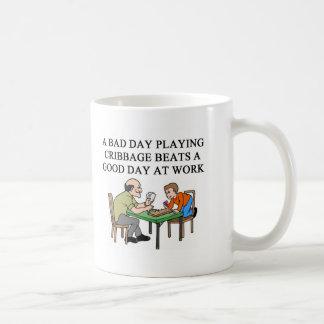 jugador del juego del cribbage taza de café