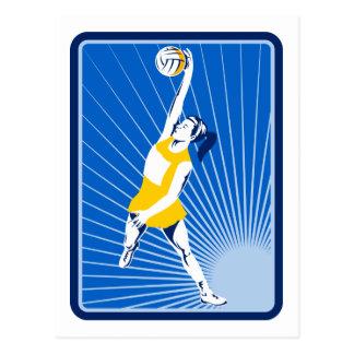 jugador del netball que coge pasando la bola tarjeta postal
