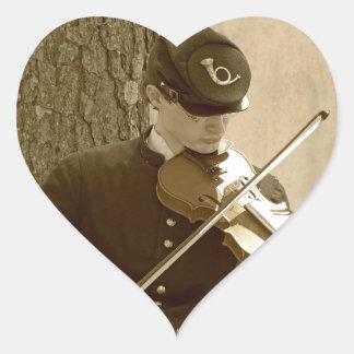 Jugador del violín de la guerra civil pegatina en forma de corazón