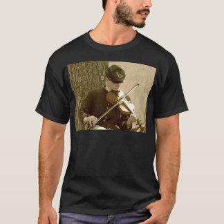 Jugador del violín de la guerra civil playera
