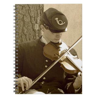 Jugador del violín de la guerra civil spiral notebook