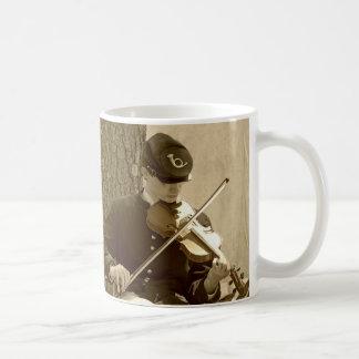 Jugador del violín de la guerra civil taza