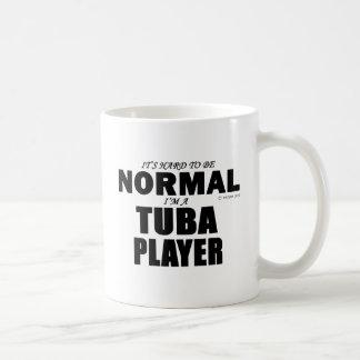Jugador normal de la tuba taza clásica