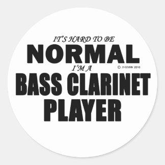 Jugador normal del clarinete bajo pegatina redonda