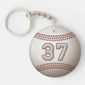 Jugador número 37 - puntadas frescas del béisbol llavero redondo acrílico a doble cara