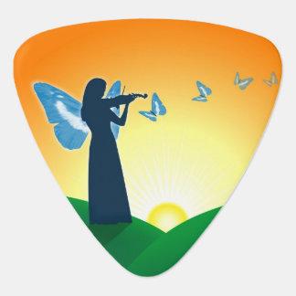 Jugador y mariposas del violín plectro